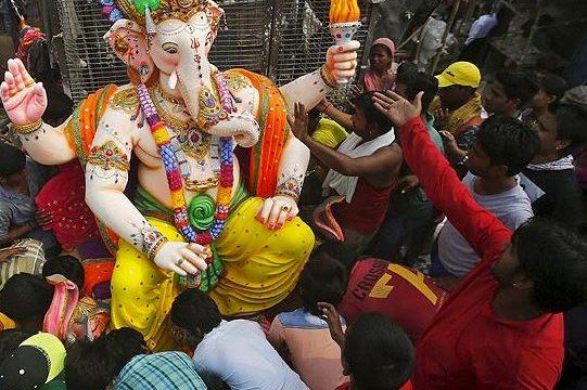 Indiai hindu templom látogatása