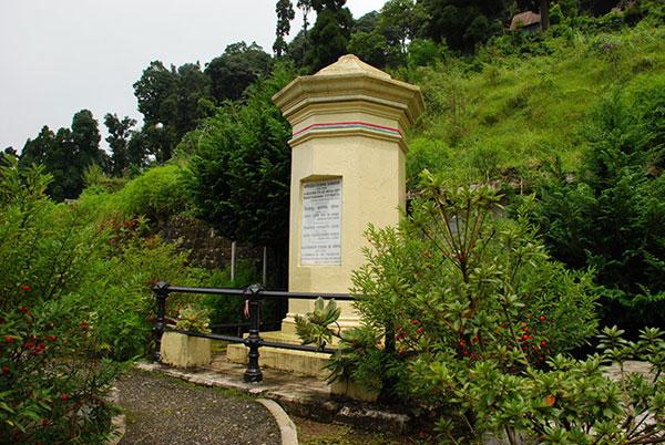 Kőrösi Csoma Sándor síremléke a dardzsilingi európai temetőben